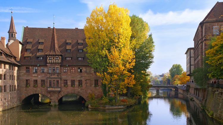 Nurnberg Imperial Castle and Cellars Tour