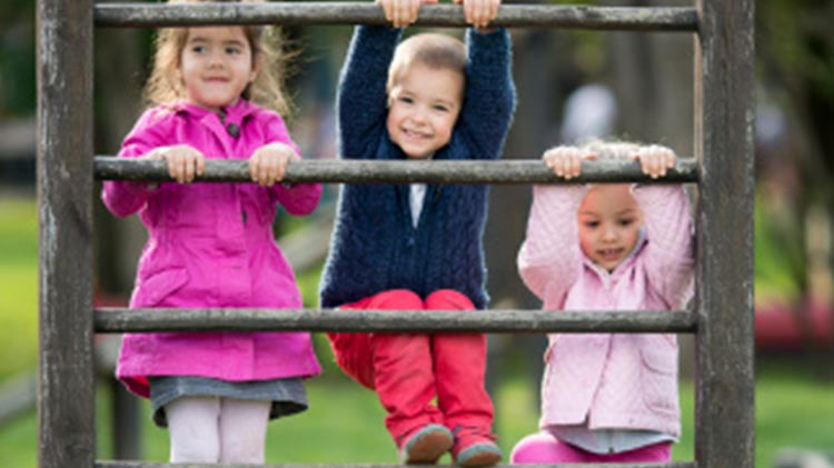 Toddlers in the Park: Playgroup at Robinson