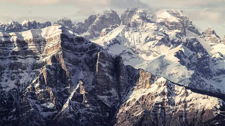 Ski & Snowboard Express - Stubai, Austria